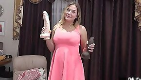 Chubby blonde girl with big tits Blair Williams got her pussy licked and started screaming from pleasure