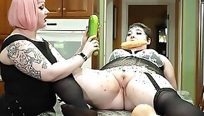 Chubby slut spreads legs on the table to be poked by her friend