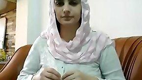 Pakistani muslim wife blowjob