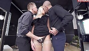 Nude anal sex in a fabulous threesome with spicy Angelika Grays