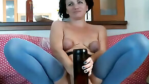 This kinky webcam model has a thing for big sex toys