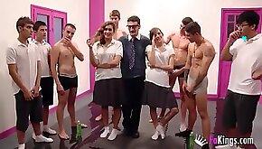 Enjoy A Crazy Girls Bukkake Party In The Gym