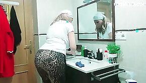 Arab sexy granny big ass at hom